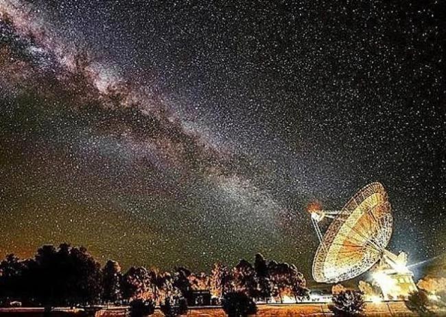 人类将发信号找外星人 霍金预言恐怖下场