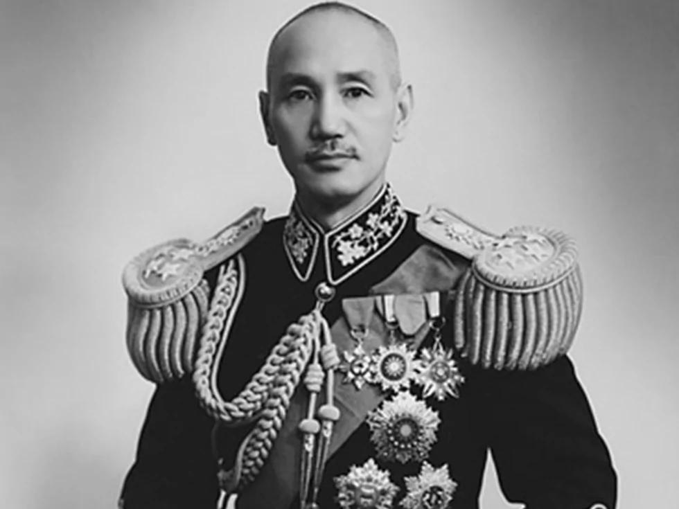 蒋介石戎装照(图源:维基百科公有领域)