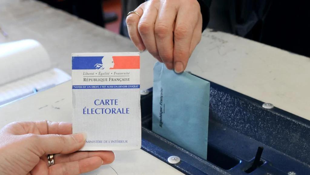 """民调:多数法国人反对建立""""全民基本收入""""制度"""