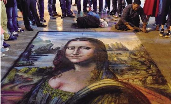 """姜维平:请向""""街头艺术家""""伸出援助之手"""
