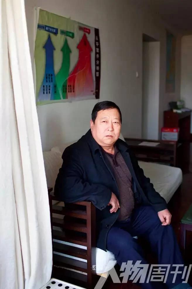 """郑成月:56岁,河北省广平县公安局原主管刑侦的副局长,最早披露聂树斌案""""一案两凶""""的公安人员,过去11年一直为聂案平反奔走。(网络图片)"""