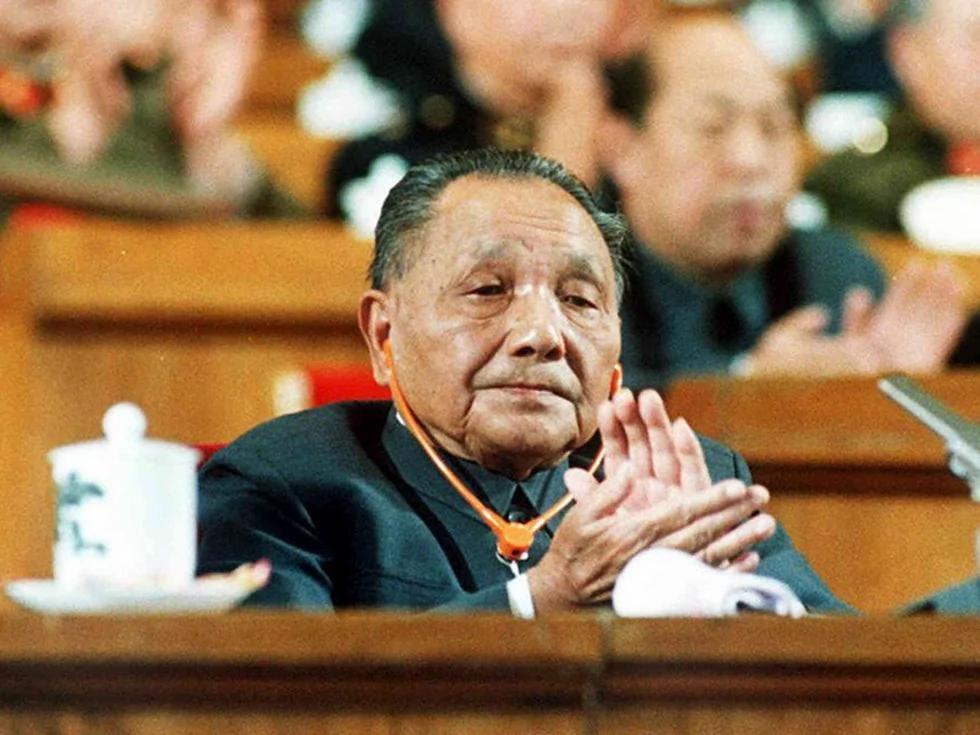 华国锋下台令叶剑英不安 高层对邓小平存疑