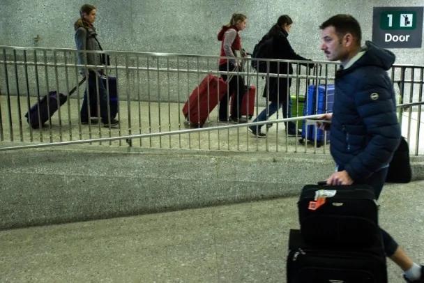 美收紧入境政策 大陆留学生不获发签证