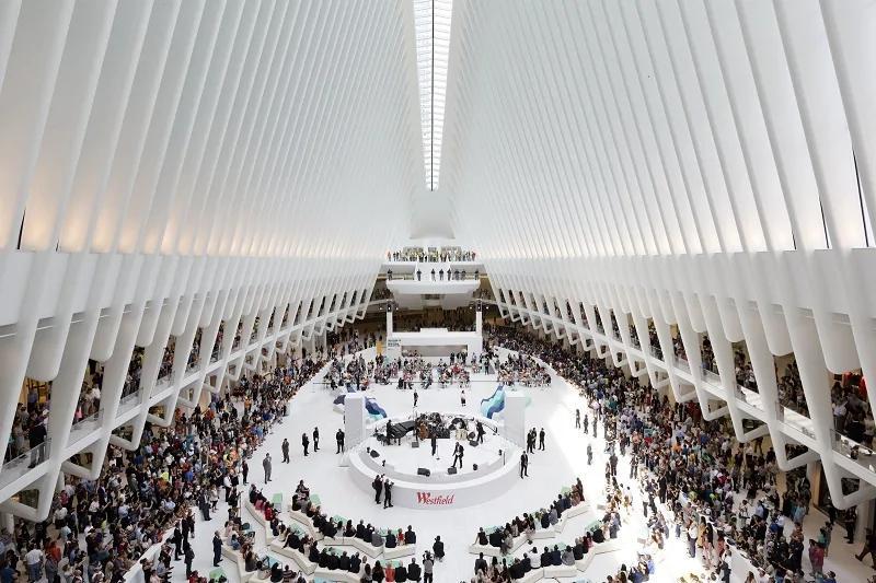 帽子飞了她去捡 29岁女子纽约世贸中心扶梯坠亡!
