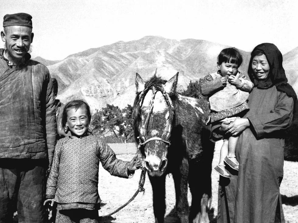 预言中共政权巩固必收回农民土地的人赴美