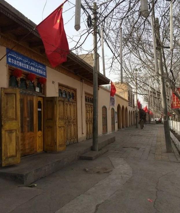 新疆三天至少三起血腥事件 10死8伤 逾百装甲车上街巡逻