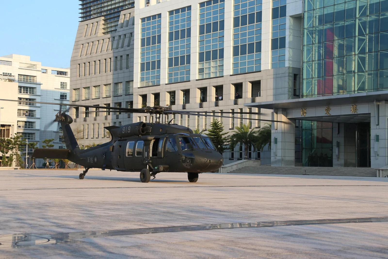 台灣首度以直升機演練「萬鈞計劃」 反制陸斬首戰