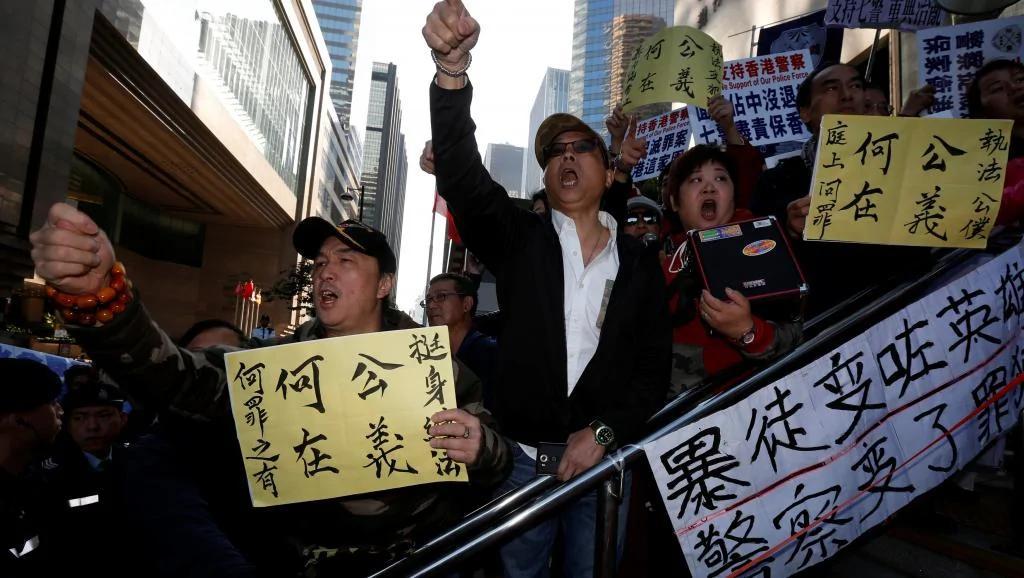 七警襲人罪成 香港分裂再表面化