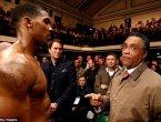英国功勋拳手伦敦遇袭 被沿街拖拽500米(图)