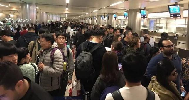 """F1严查 华裔留学生被查""""手机"""" 遣返"""