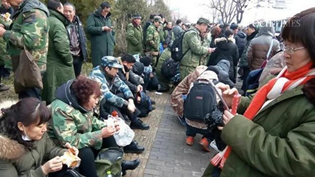 习近平批示没奏效 众多退伍军人仍聚集北京示威