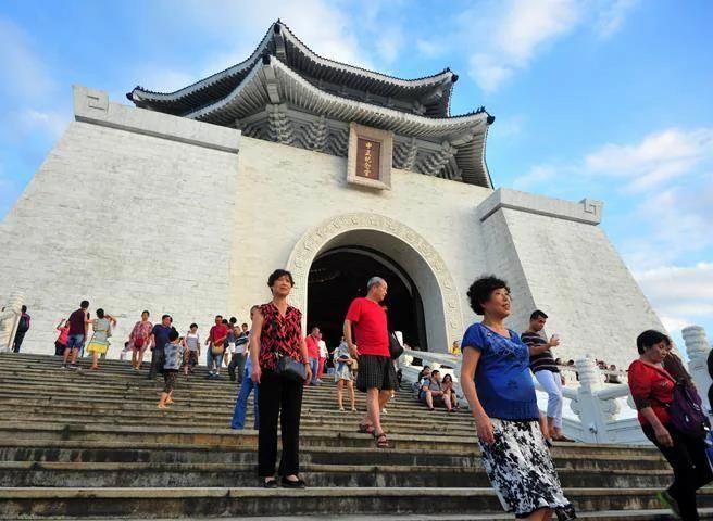 蒋介石曾孙质疑去蒋化:跟过去威权时代有何不同?
