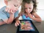 """iPad成了""""看娃神器"""" 影响的不仅是视力(图)"""