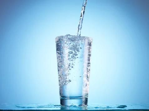 睡前千万不能不喝水 揭秘十大喝水恶习 你必须知道(图)