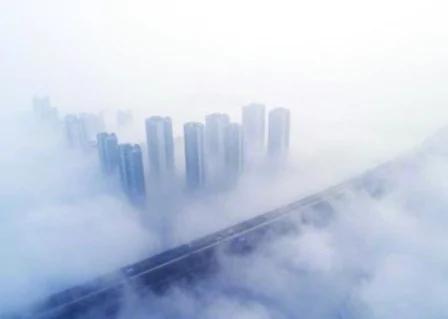 武汉PM2.5爆表 官方称是大雾