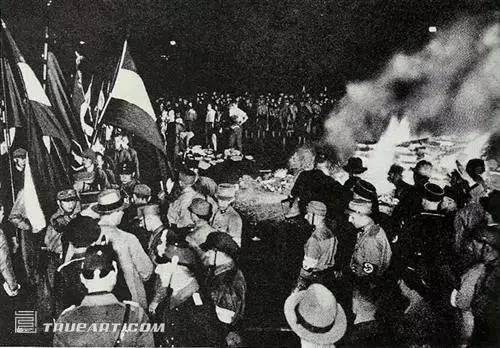 当图书进入战争:美国利用图书赢得二战
