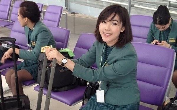 美女成励志红人:修过飞机 当过空姐 做过飞行员…