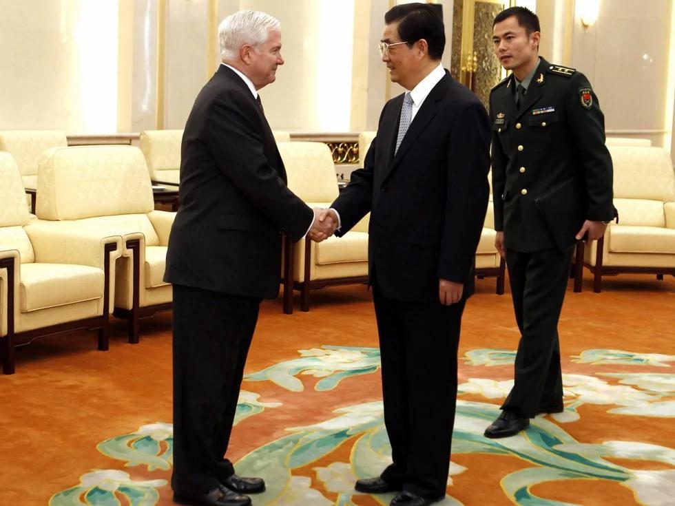 美国前防长盖茨:不相信胡锦涛的解释