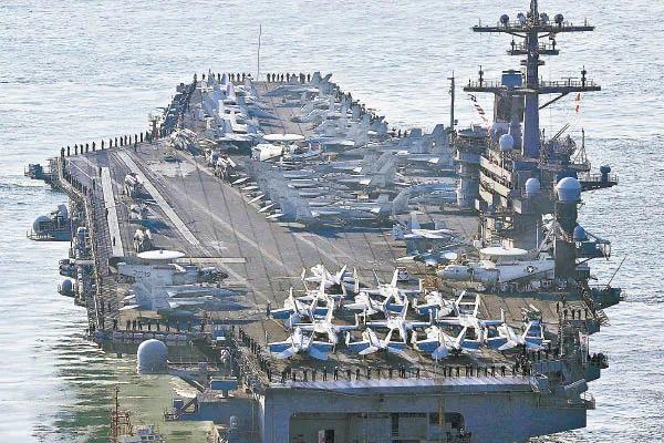 美核航母东海布阵 模拟攻击朝鲜核设施