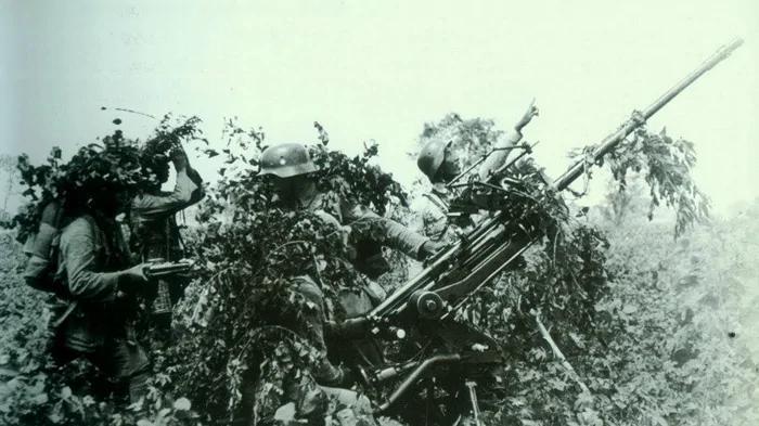 滕县保卫战王铭章将军的战死 是因为汤恩伯见死不救?