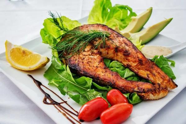 震惊!口感鲜美的这种鱼 但真相是连养殖户都不敢吃!
