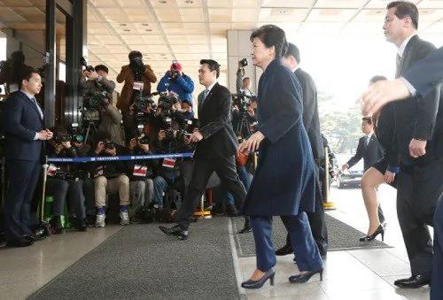 涉受贿等13项罪嫌 韩检提请拘捕朴槿惠