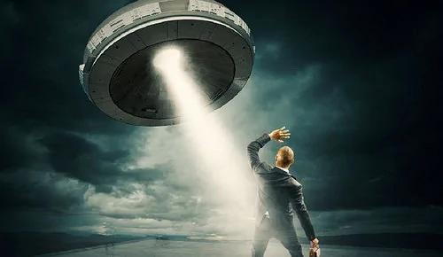 外媒:杜兰戈州有人报警说看到一架UFO将人类送到地面上