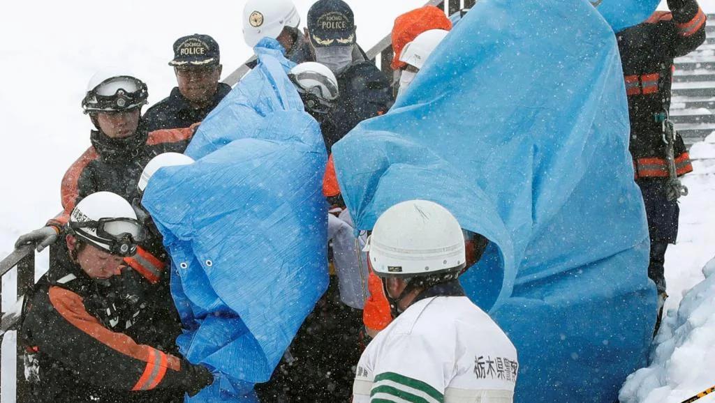 日本那须雪崩伤亡人数更新 7名高中生1名教师死亡40人受伤