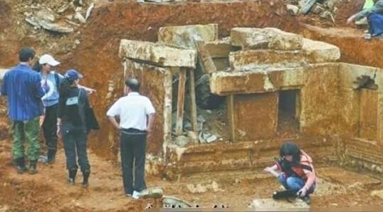 西汉古墓中的陪葬品竟是一只活生生的千年老龟