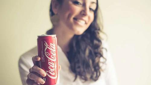 外媒:可口可乐罐内发现人类粪便的成分!