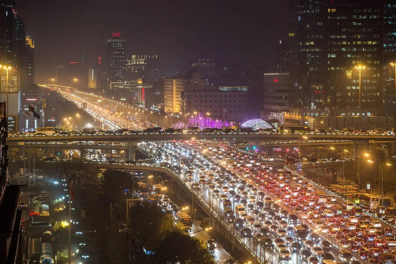 """在北京 他们为了买车""""结婚"""""""
