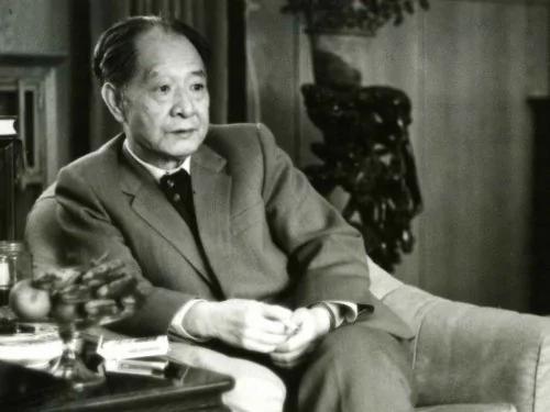 邓小平为何强迫胡耀邦辞职?有两个原因!