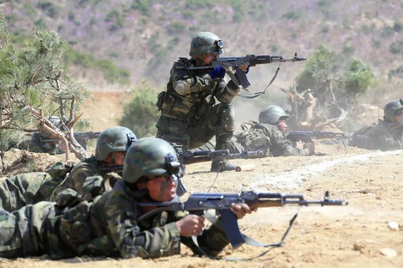 朝鲜半岛剑拔弩张?实拍美朝兵力对比 网友:朝20万特种兵一撮炮灰