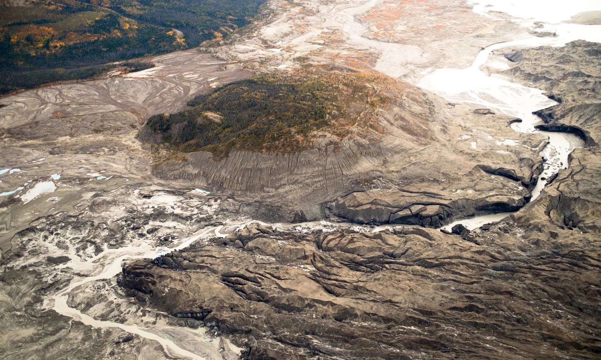 加拿大一条300年历史的大河4天突然消失