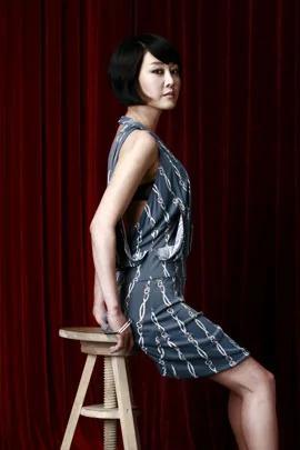 韩国女演员出道20年未火 卖房给朴槿惠一夜成名