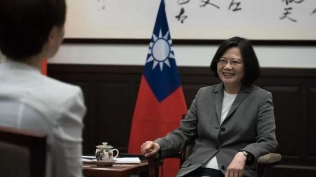 """台湾总统蔡英文""""不排除再和美总统通话"""""""