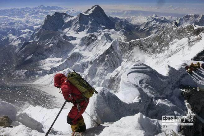 """登山界传奇""""瑞士机器""""命丧珠穆朗玛峰"""