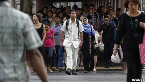 中国移民成新加坡头号公敌 网民对中国移民说不