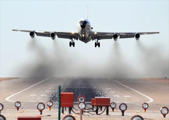 共军战机拦截美辐射检测机 美军讽刺不专业