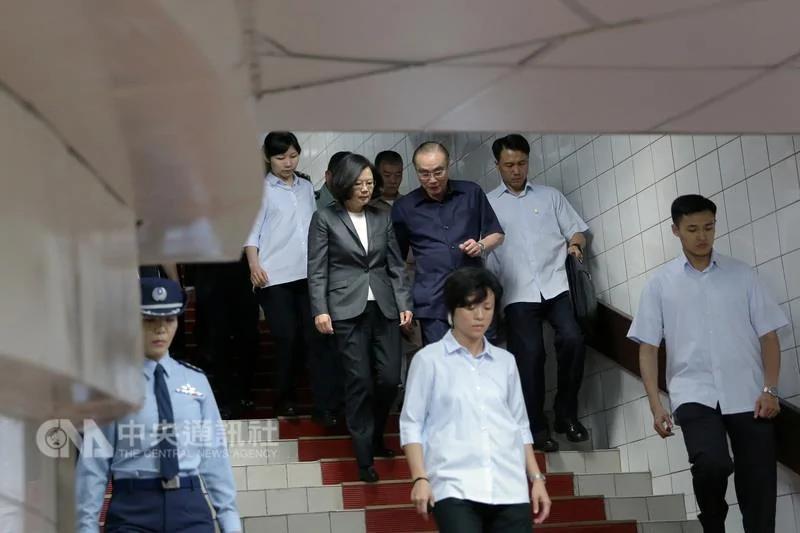 台当局公布演习照片 总统府秘密通道曝光