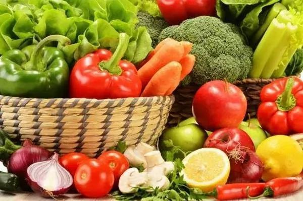 蔬菜、水果、奶酪、鸡蛋