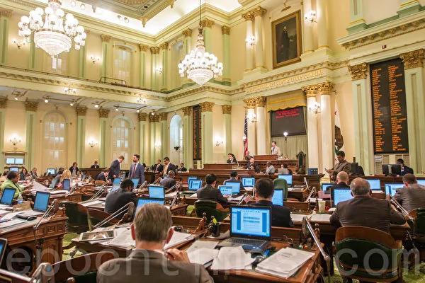 加州禁止共产党员入职 美专家:共产党屠杀人数比纳粹还要多