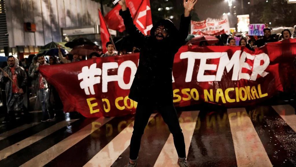 三届总统全烂 巴西人愤怒至极