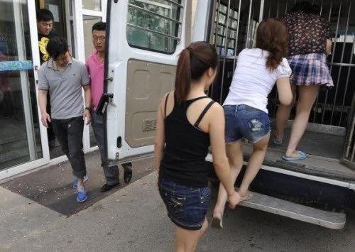华裔中介组织大批中国女子来美卖淫被捕