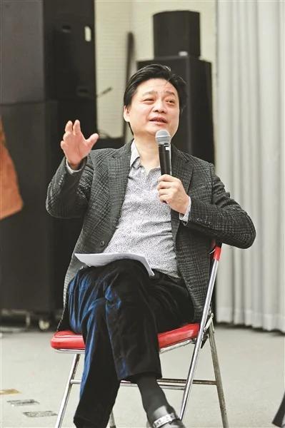 崔永元坐拥10多家公司 旗下商城食品高于市价5倍