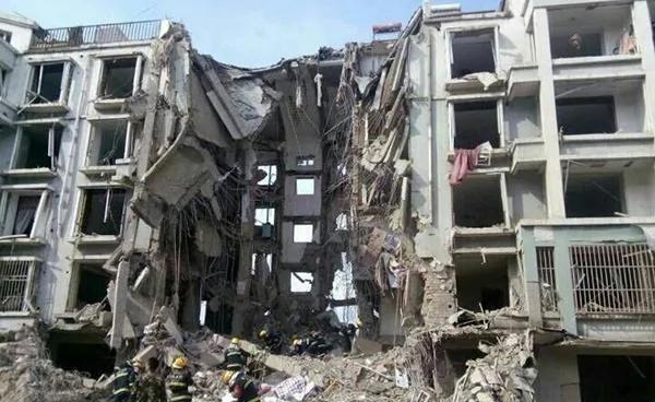 内蒙古包头小区爆炸11人被捕:30死伤 楼整体塌陷
