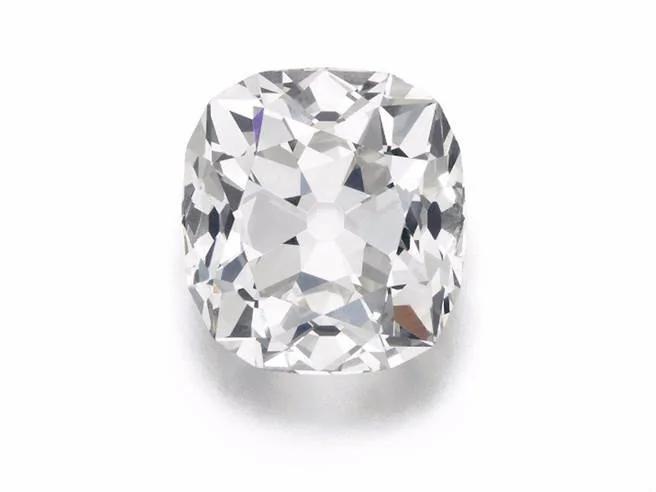 淘到寶以為假貨 英國婦天天戴26克拉鑽石出門