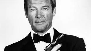 永远007罗杰摩尔生前遭2任妻家暴