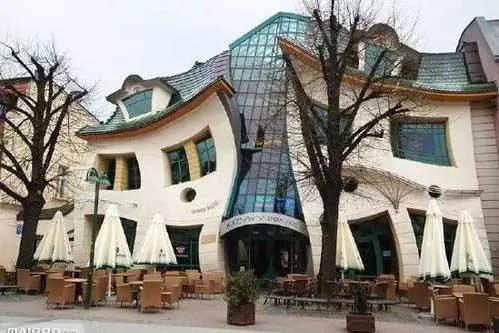 这么奇葩的建筑 不知道设计师是怎么想出来的!