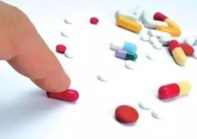 高三女生为备战高考每天吃避孕药